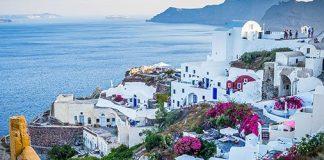 Visit Europe during shoulder season - Greece