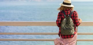 How to pack the ultimate shore day bag