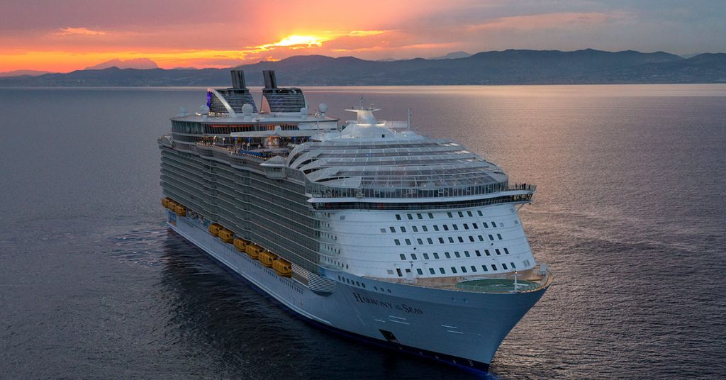Royal Caribbean extends global suspension