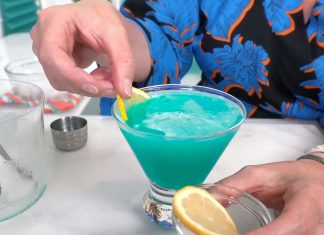 Friday night live cocktails - Deep Sea Martini