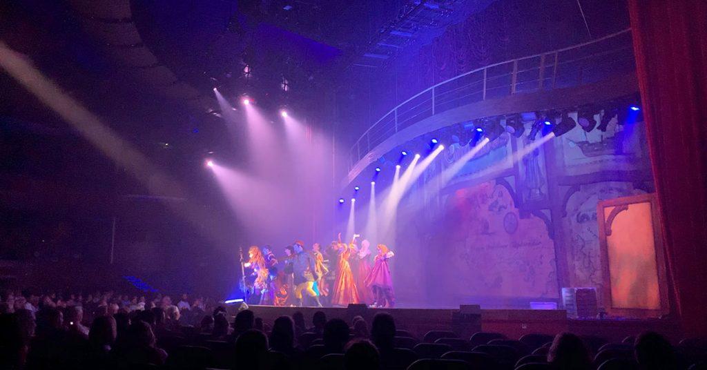 Cruise vs All Inclusive Resort Entertainment