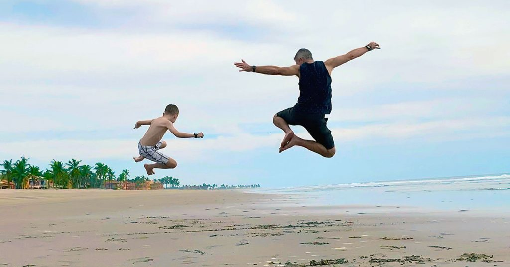 cruise to mexico - jumping on beach