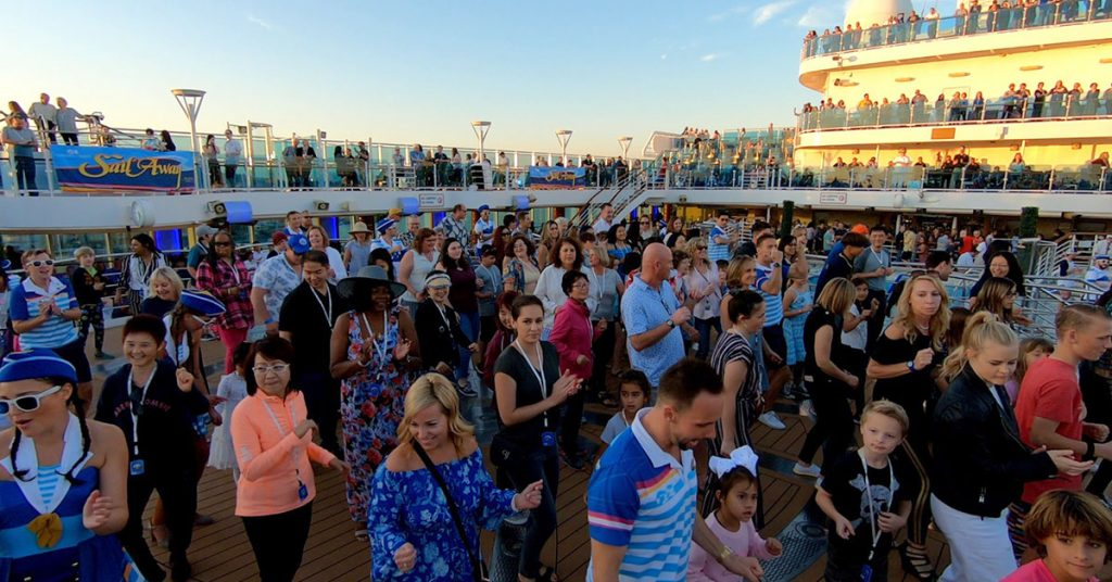 Best Time to Cruise the Mexican Riviera crowds
