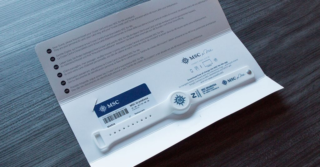 Guests receive a wristband for contactless experience and tracing