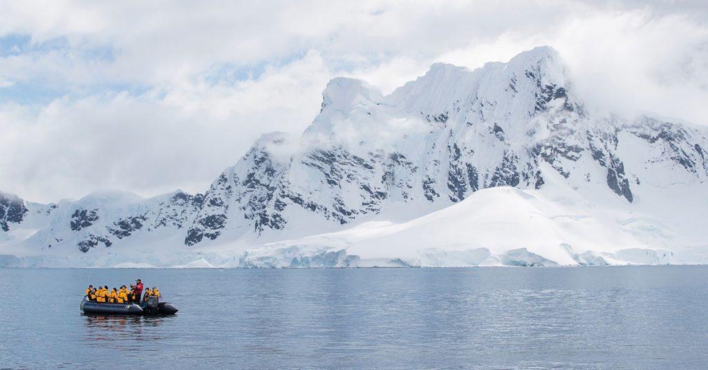 Seabourn Extraordinary Expedition Landscape_Zodiac_Cruise_Paradise_Harbor_Antarctica