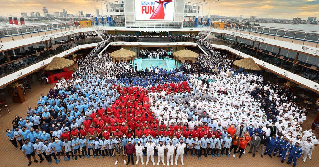 Carnival Cruise Panorama-Group-Shot-2021